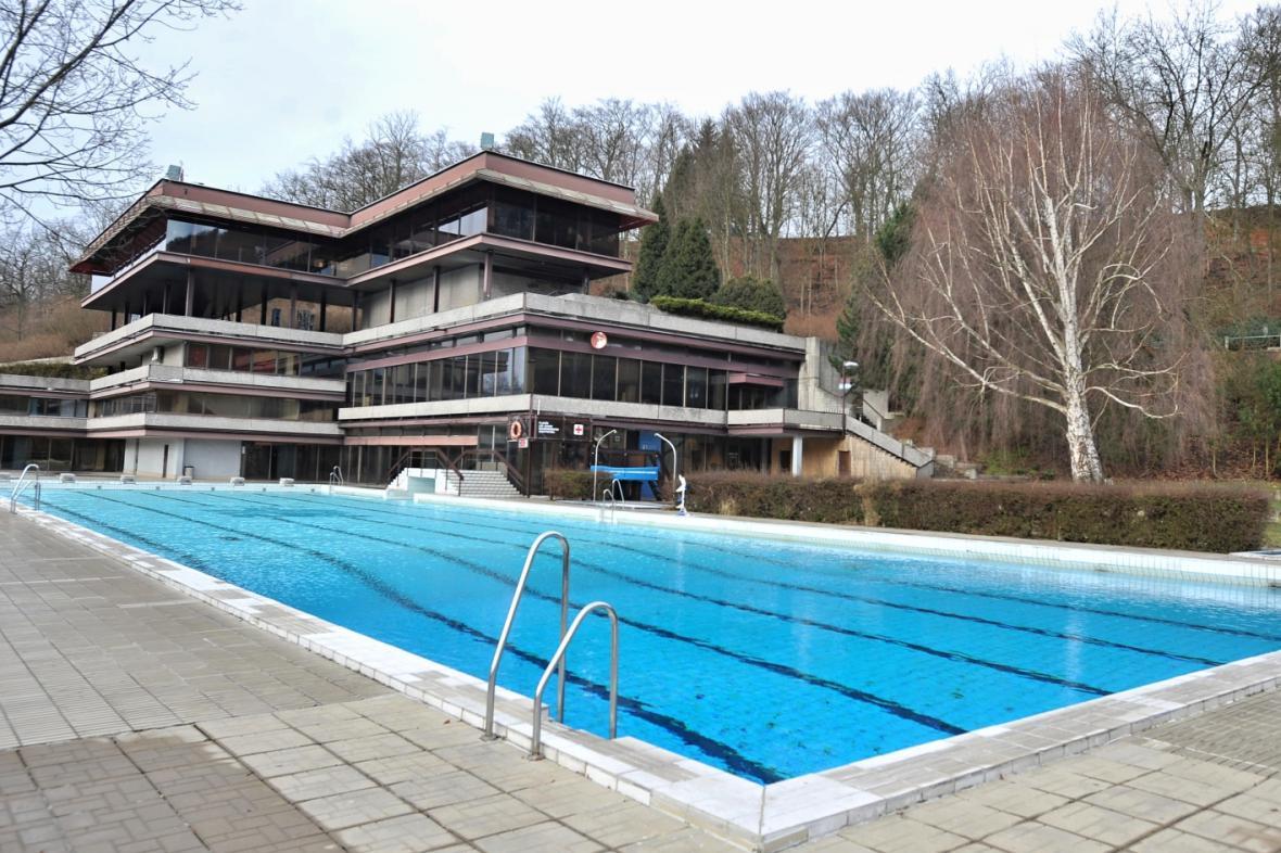 Bazén v karlovarském hotelu Thermal