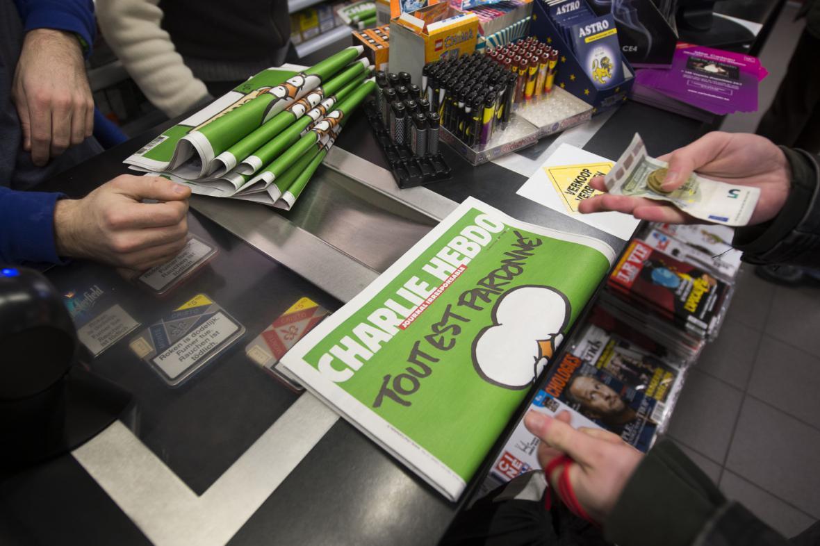První číslo Charlie Hebdo po atentátu šlo na dračku
