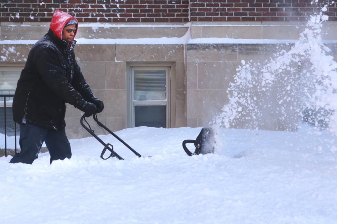 Následky sněhové bouře Linus v USA