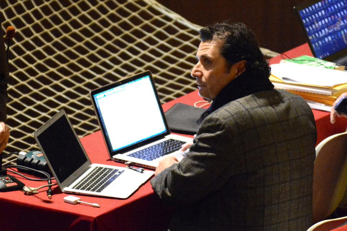 Francesco Schettino během přestávky soudního jednání