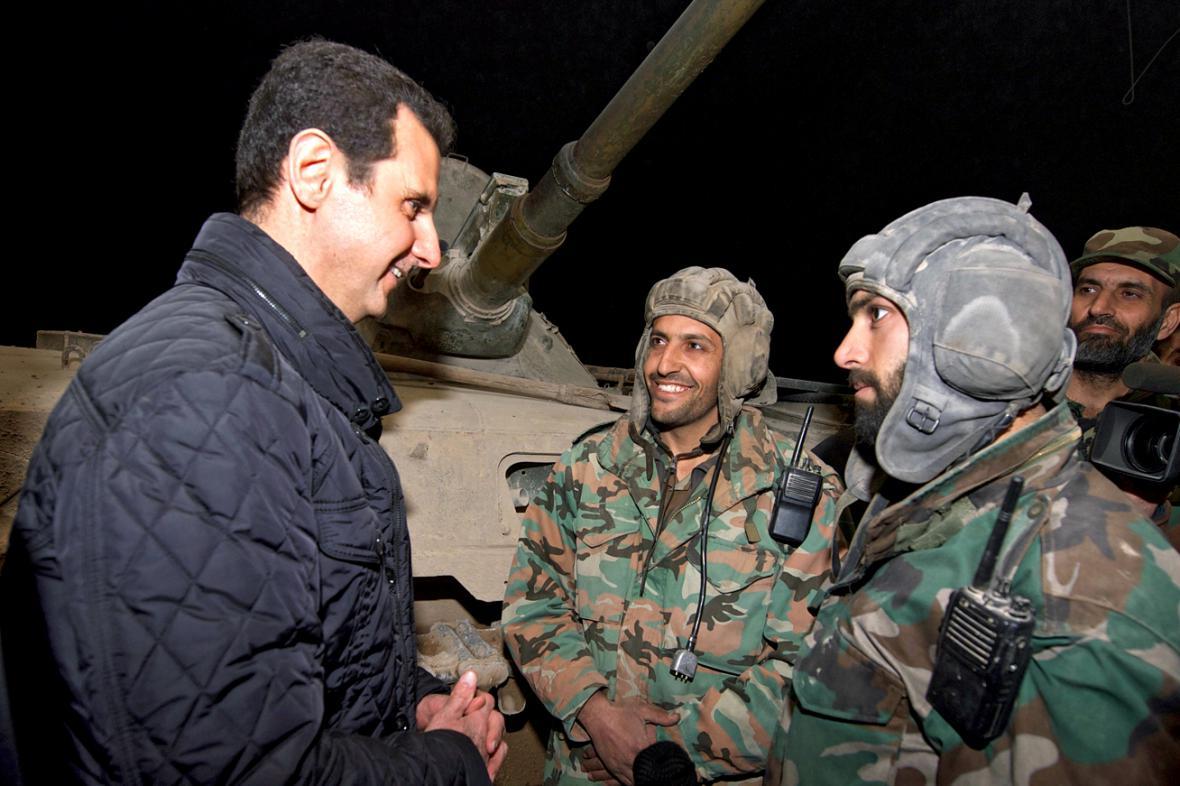 Bašár Asad se svými vojáky