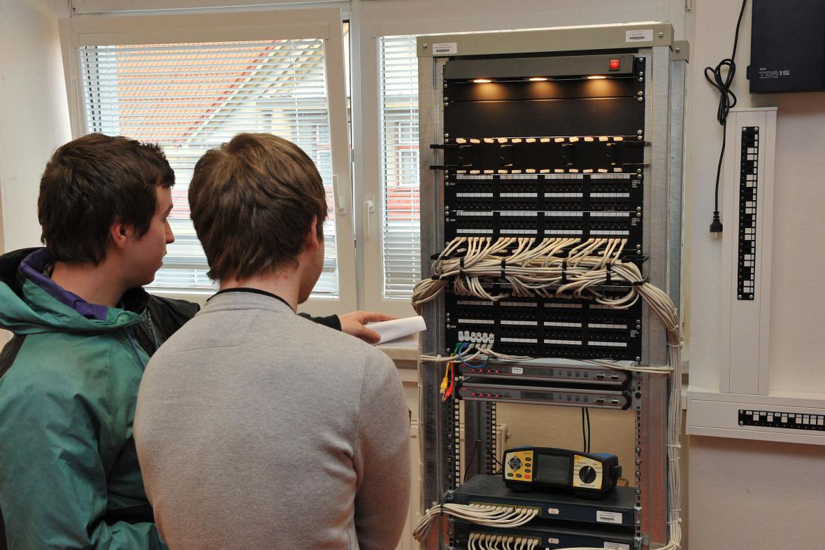 Fakulta elektrotechniky a informatiky Univerzity Pardubice