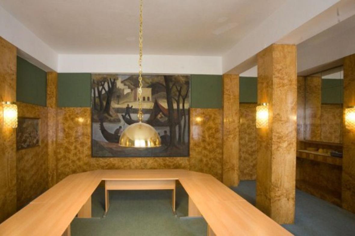 Loosův interiér v Husově 58