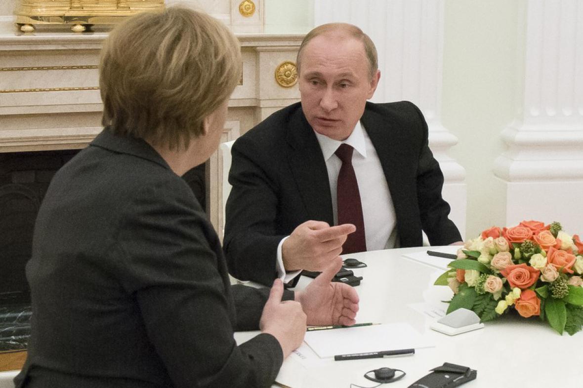 Angela Merkelová s Vladimirem Putinem v Minsku