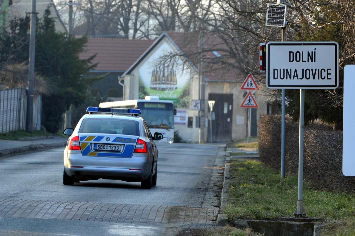 Nález ostatků v Dolních Dunajovicích