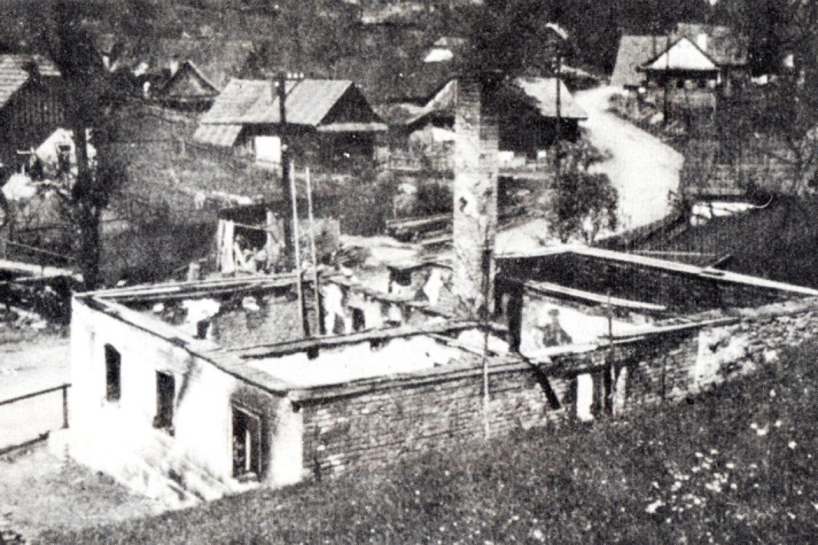 Vypálené stavení v Prlově
