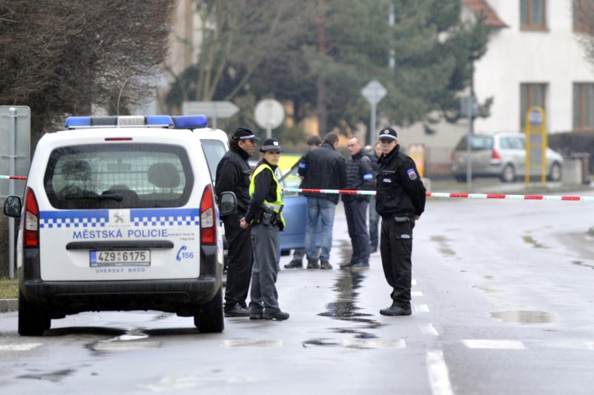 Policie místo útoku uzavřela
