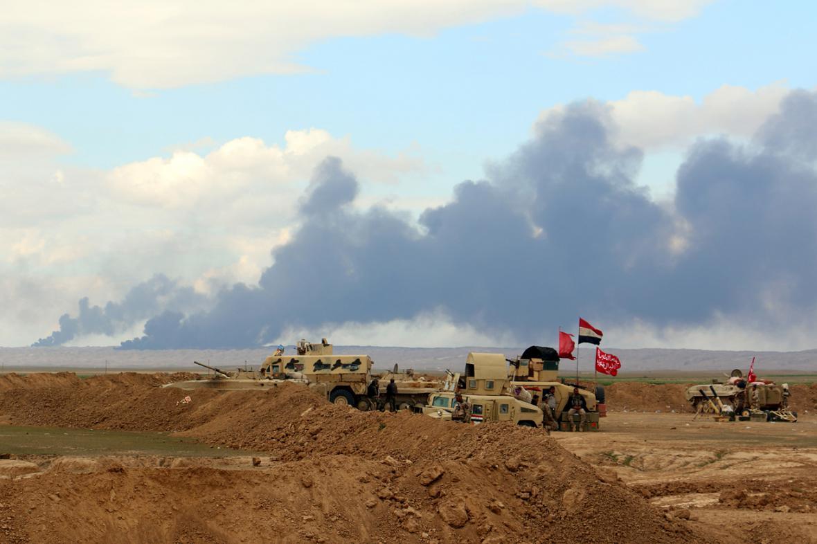 Irácká armáda bojuje s IS o Tikrít