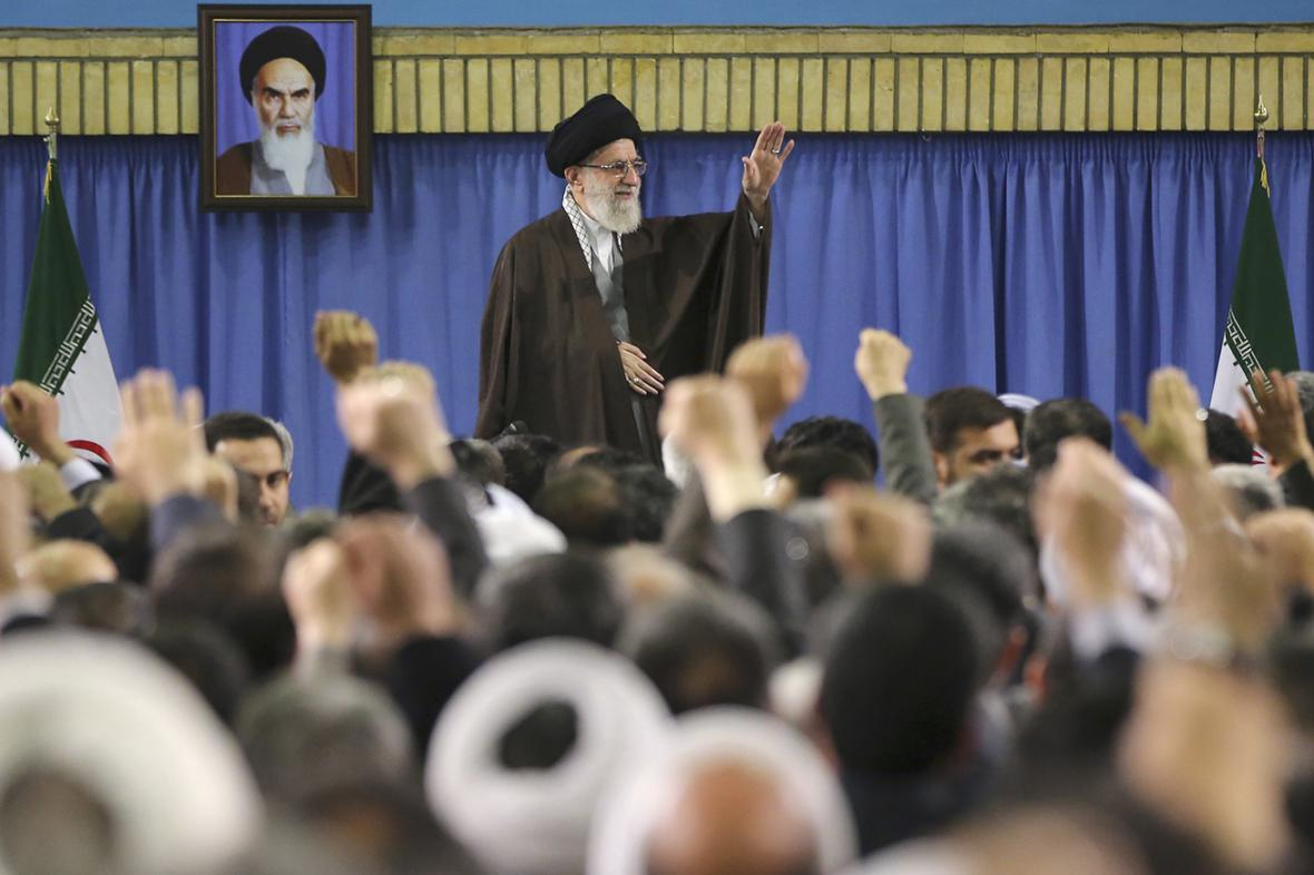 Ajatolláh Chameneí promlouvá k ekologickým aktivistům