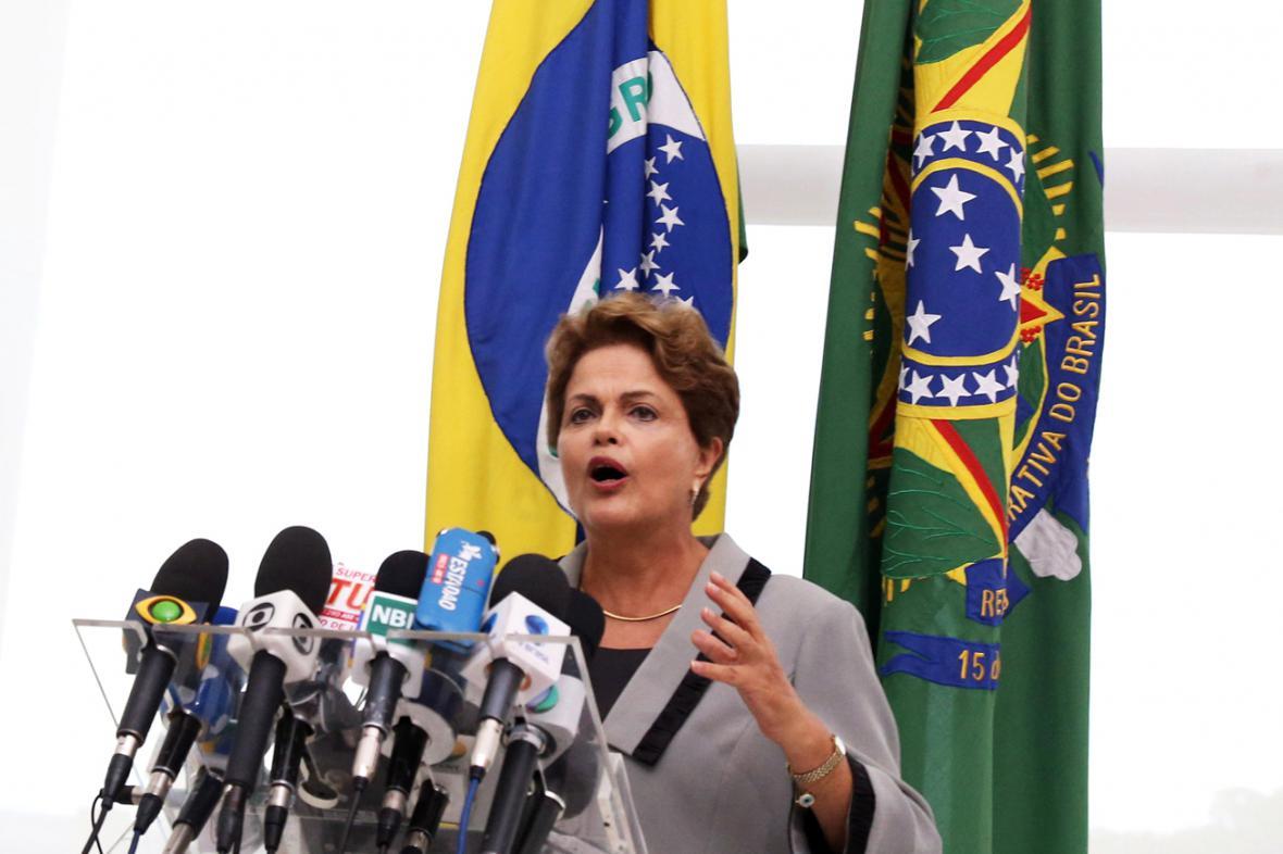 Dilma Rousseffová slíbila dialog s protestujícími
