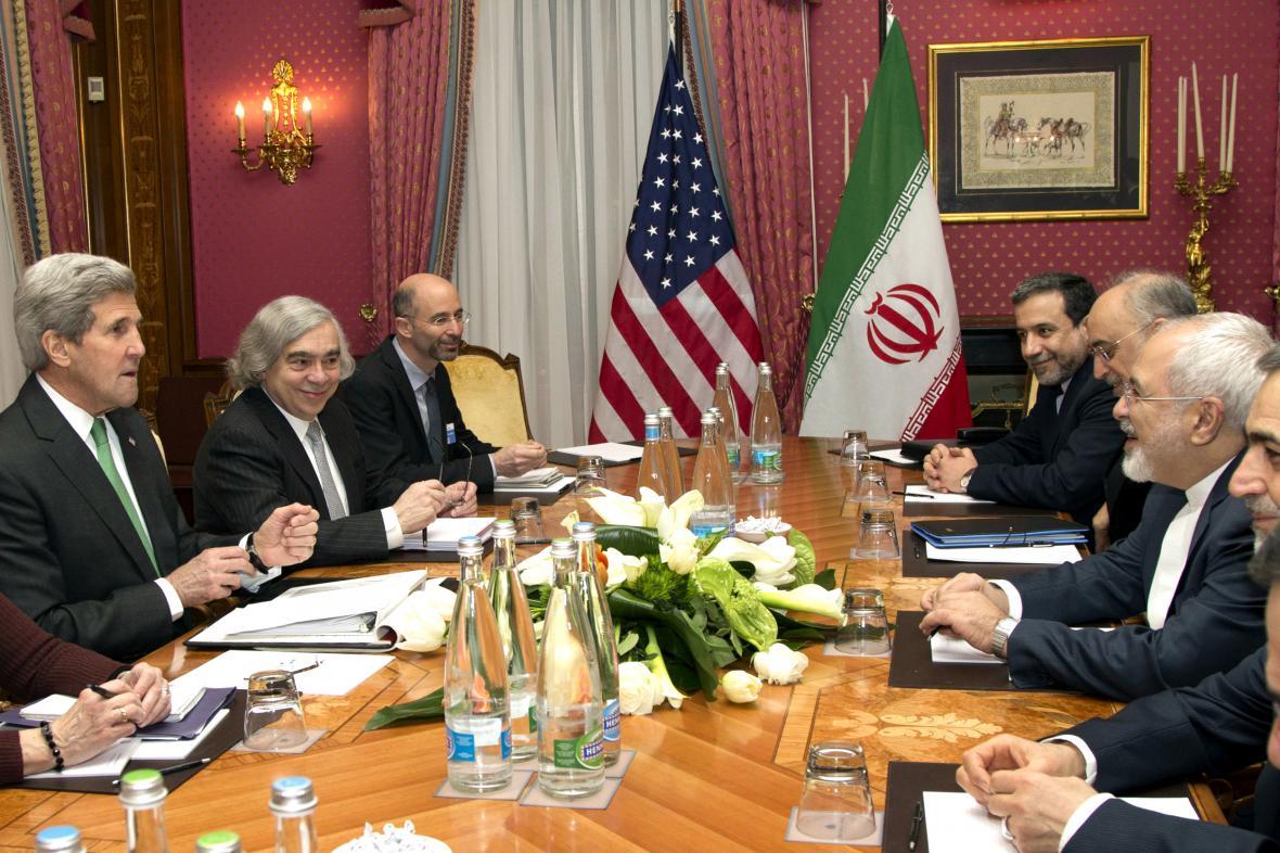 Jednáni o íránském jaderném programu v Lausanne