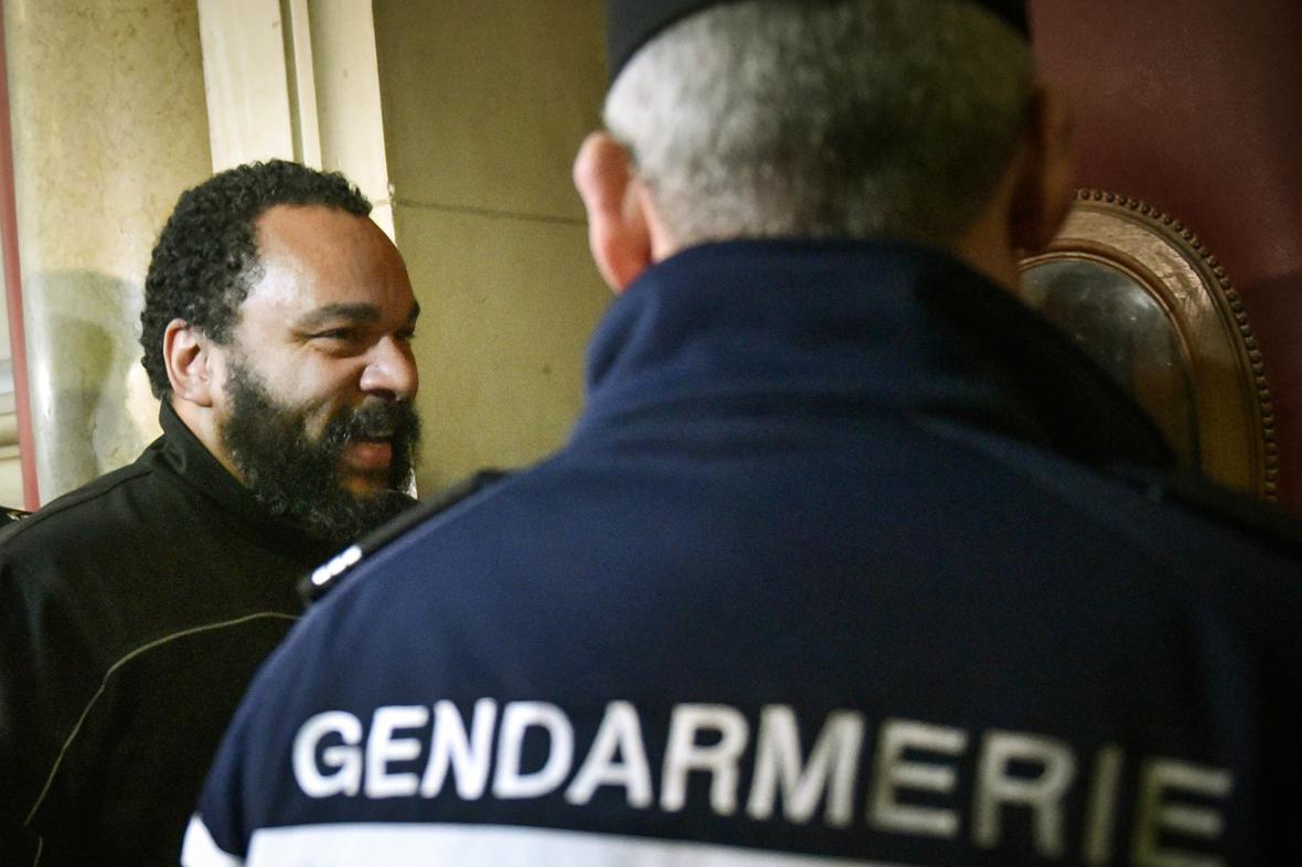 Dieudonné dostal dva měsíce podmíněně
