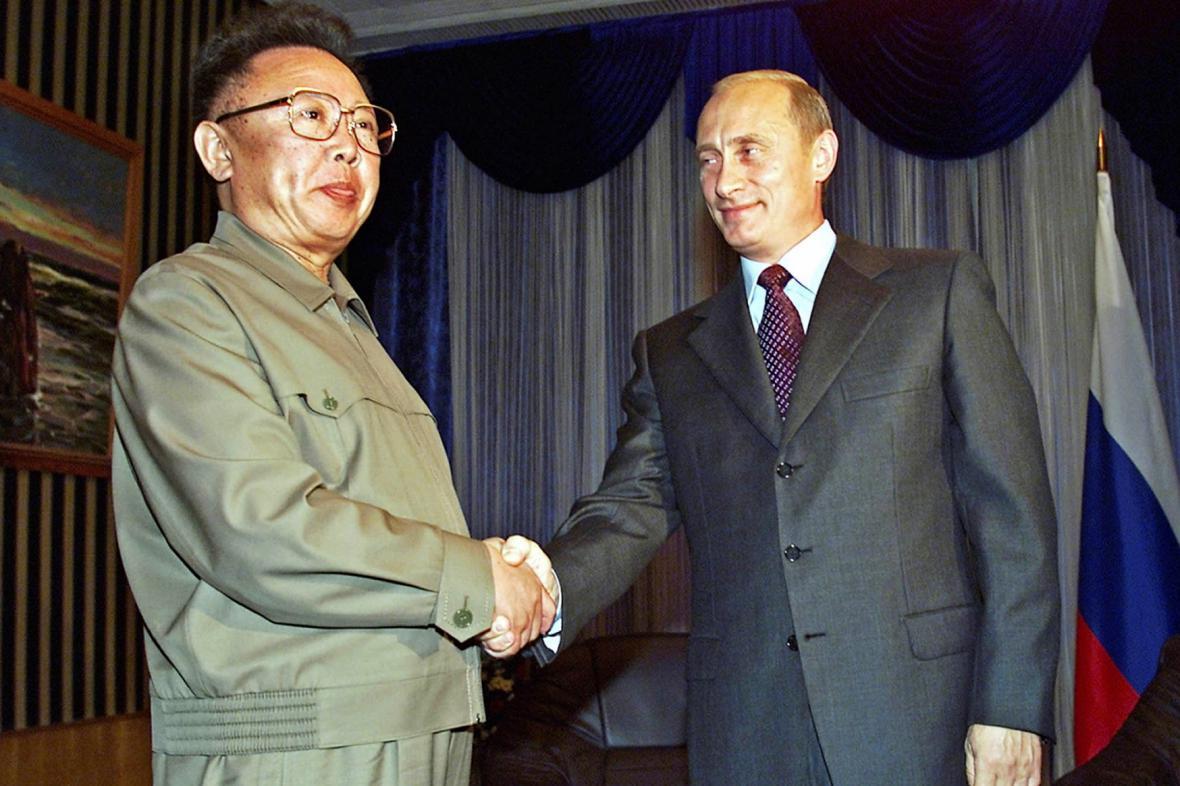 Kim Čong-il, otec dnešního severokorejského vůdce, navštívil Rusko v roce 2002