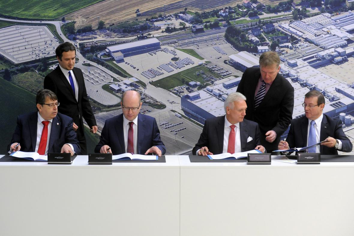 Podpis memoranda o spolupráci mezi státem, krajem a Škodou Auto