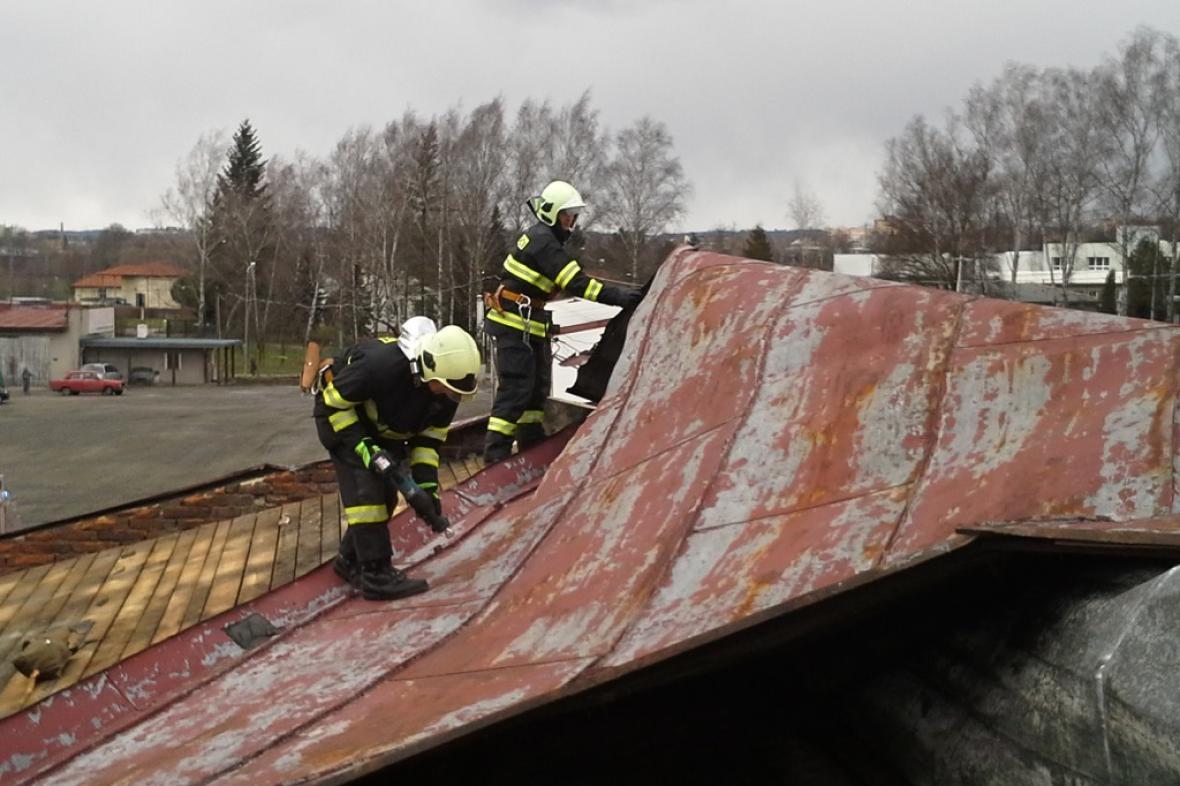 Utržená střecha