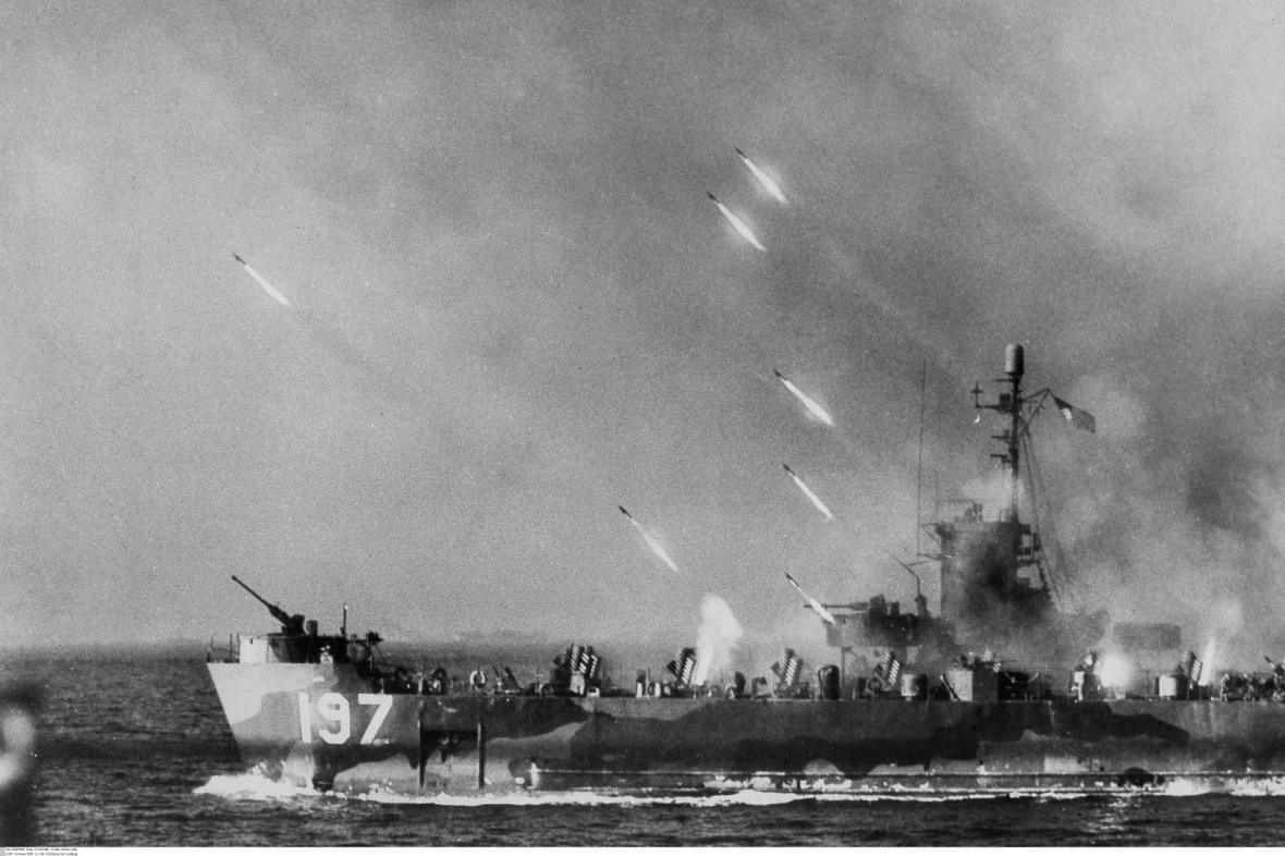 Zahájení bitvy na Okinawě