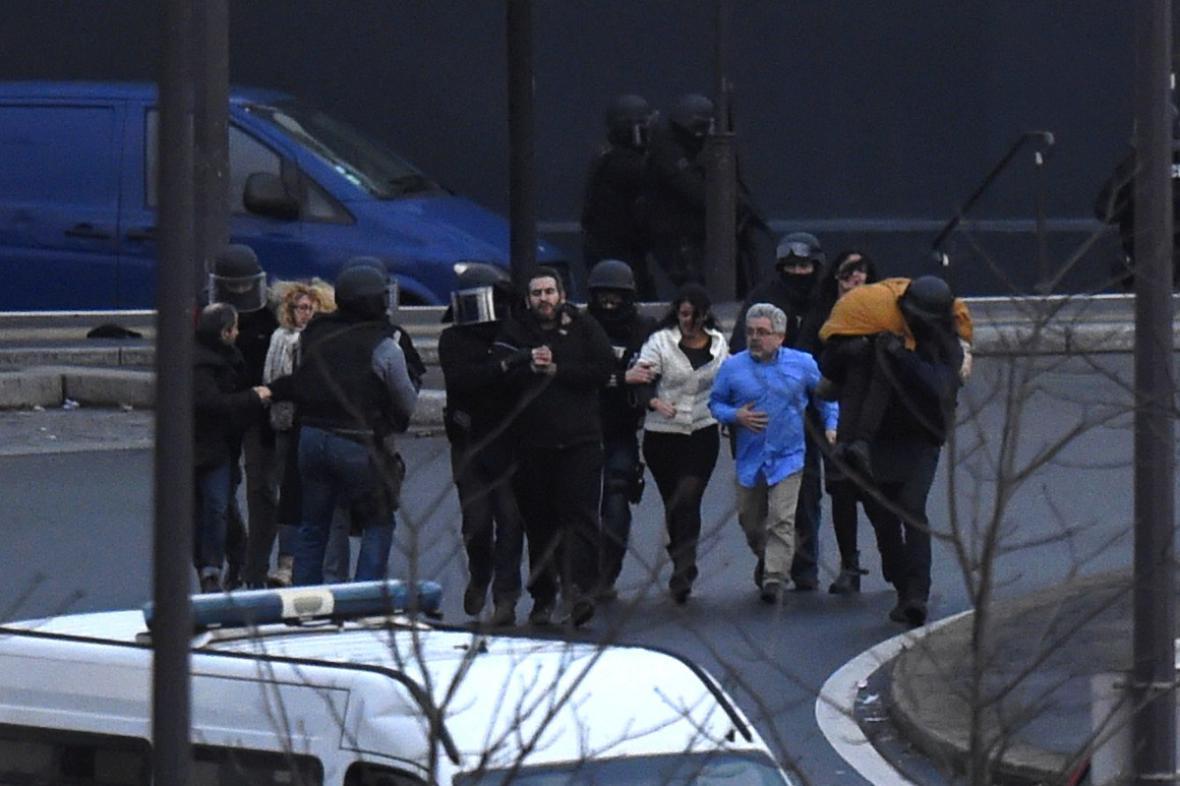 Zachránění rukojmí z pařížského košer obchodu
