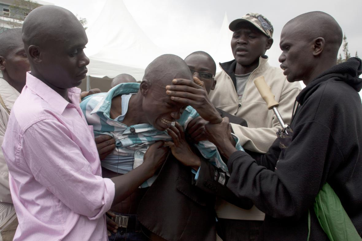 Lidé v Keni zjišťují, že mezi mrtvými jsou jejich blízcí