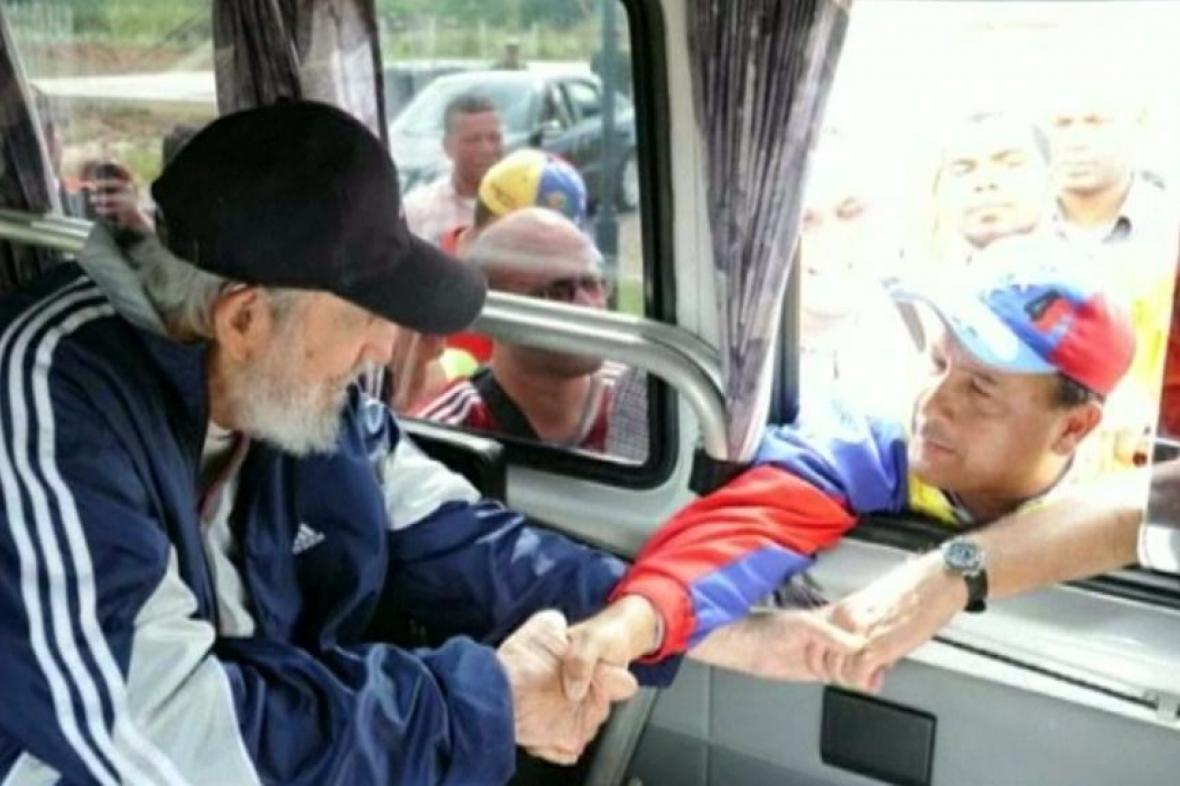 Fidel Castro se zdraví s lidmi z Venezuely