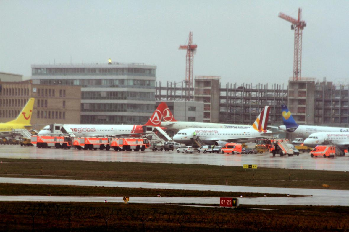 Letiště ve Stuttgartu, kde včera kvůli závadě přistálo letadlo Germanwings