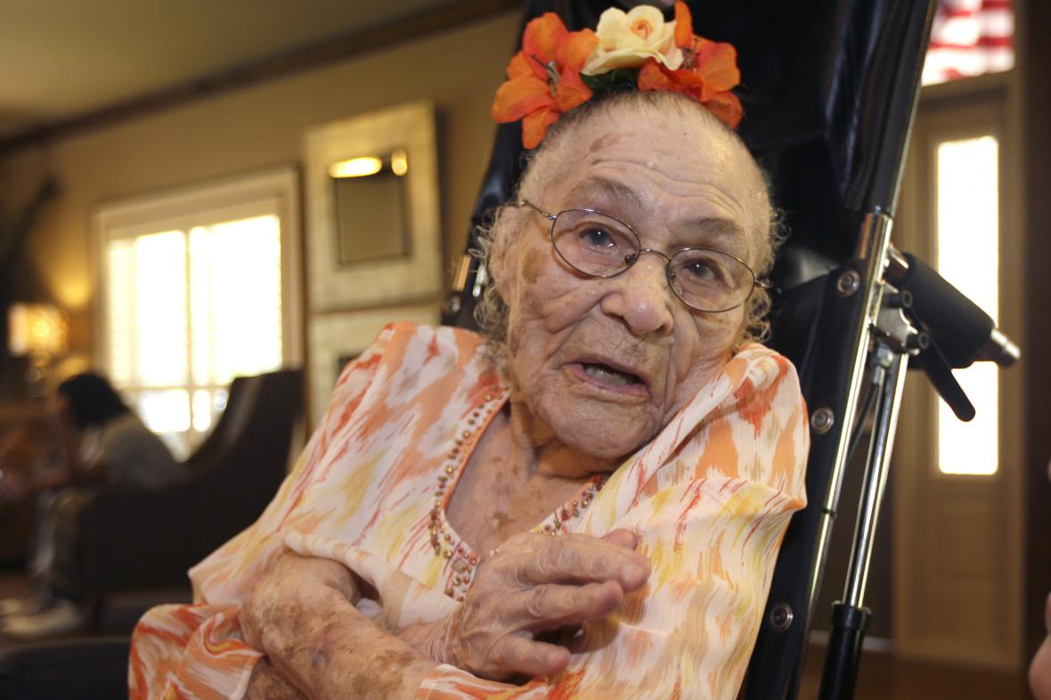 116letá Američanka Gertrude Weaverová