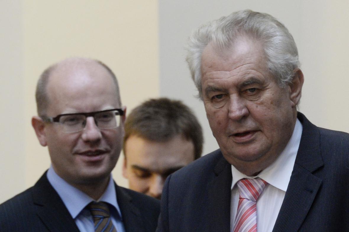 Premiér Bohuslav Sobotka (ČSSD) a prezident Miloš Zeman