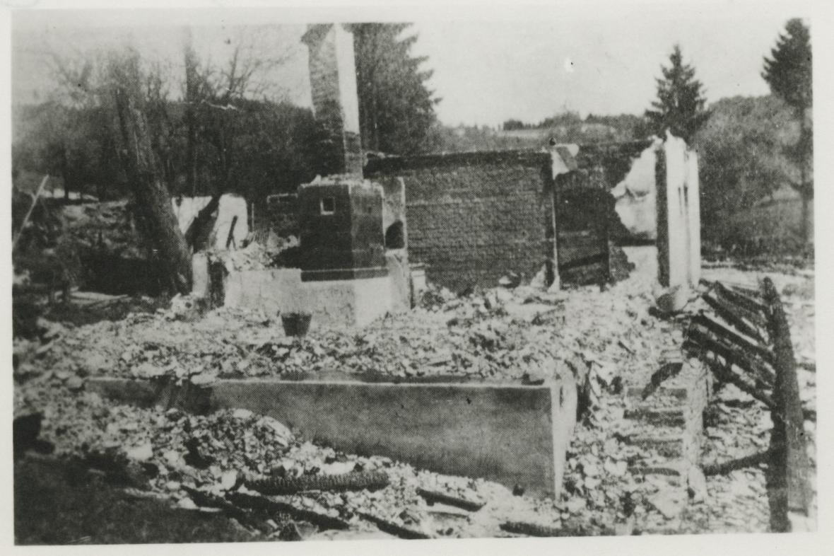 Vypálené stavení v Prlově - čp. 52 dům Jana Turýna