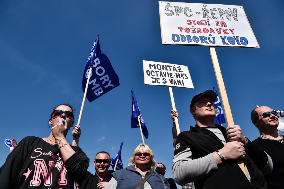Zaměstnanci Škoda Auto demonstrovali za vyšší mzdy