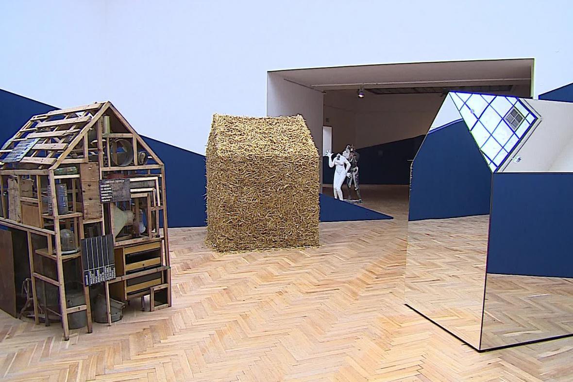 Výstava Tektonika paměti