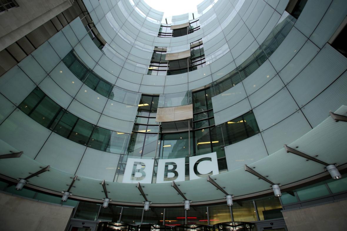 Centrála BBC v Londýně, tzv. Broadcasting House (Vysílací dům)