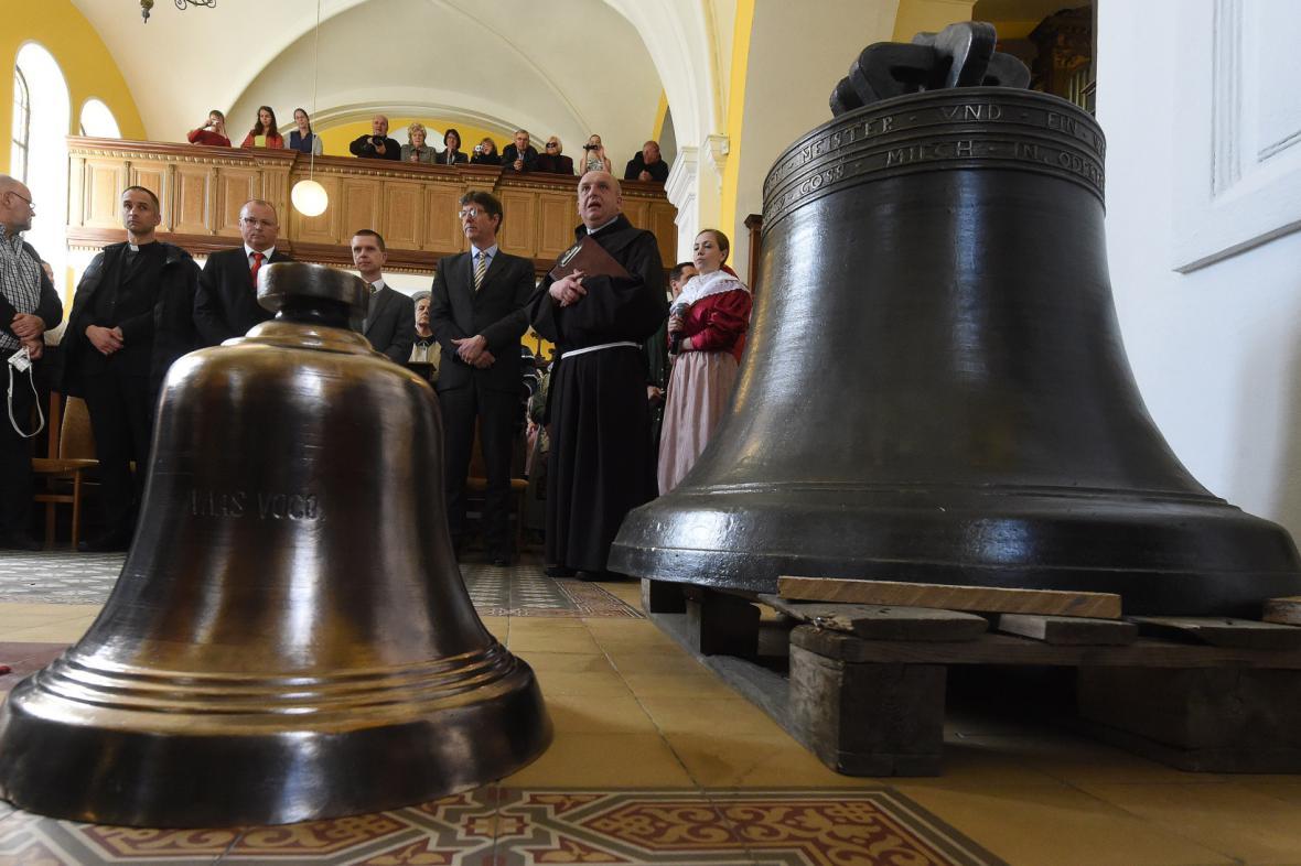 Němci zkonfiskované zvony se vrátily do Bohumína