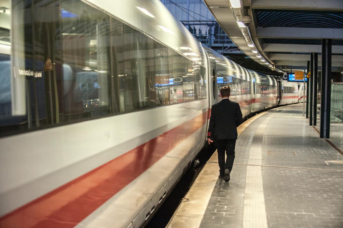 Stávka na německé železnici komplikuje dopravu už druhý den