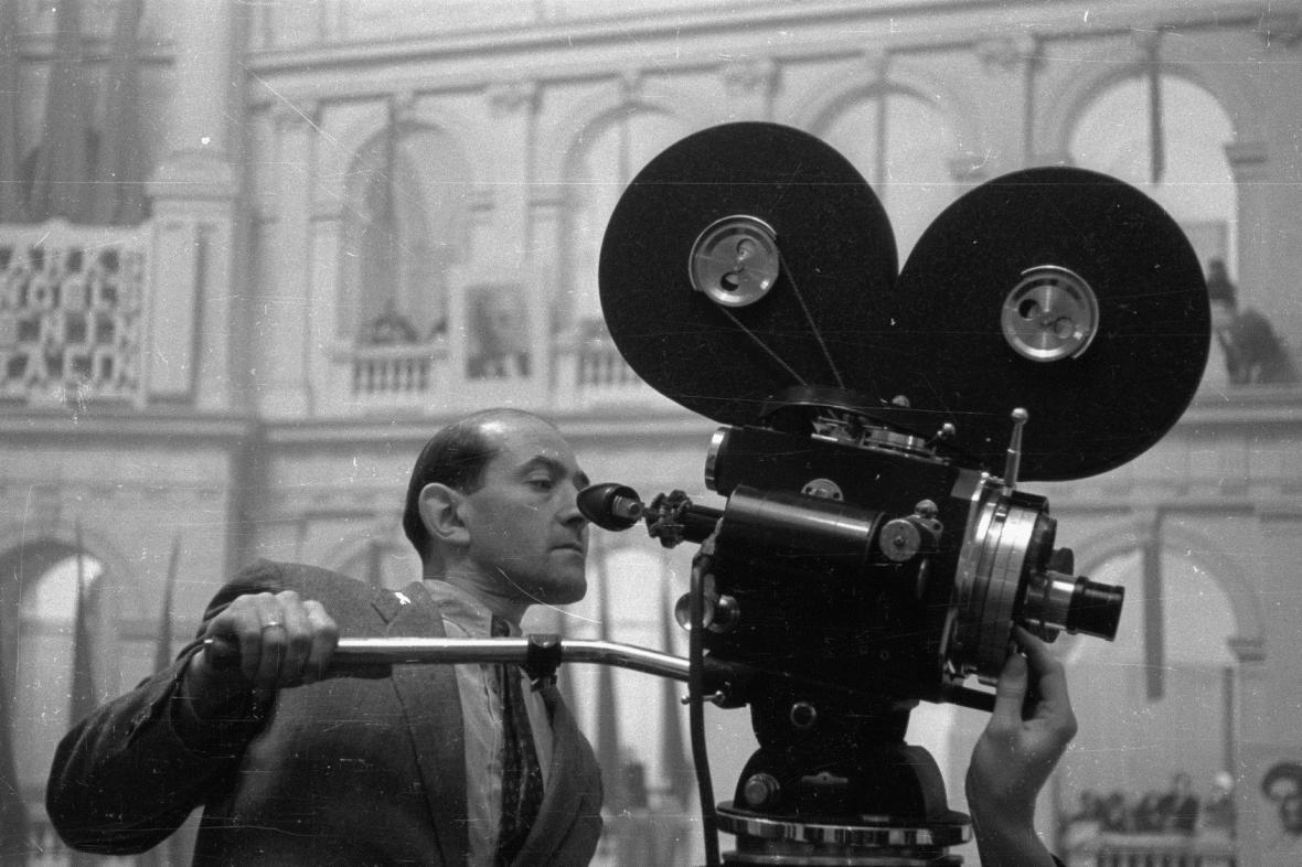 Černobílý film - ilustrační foto