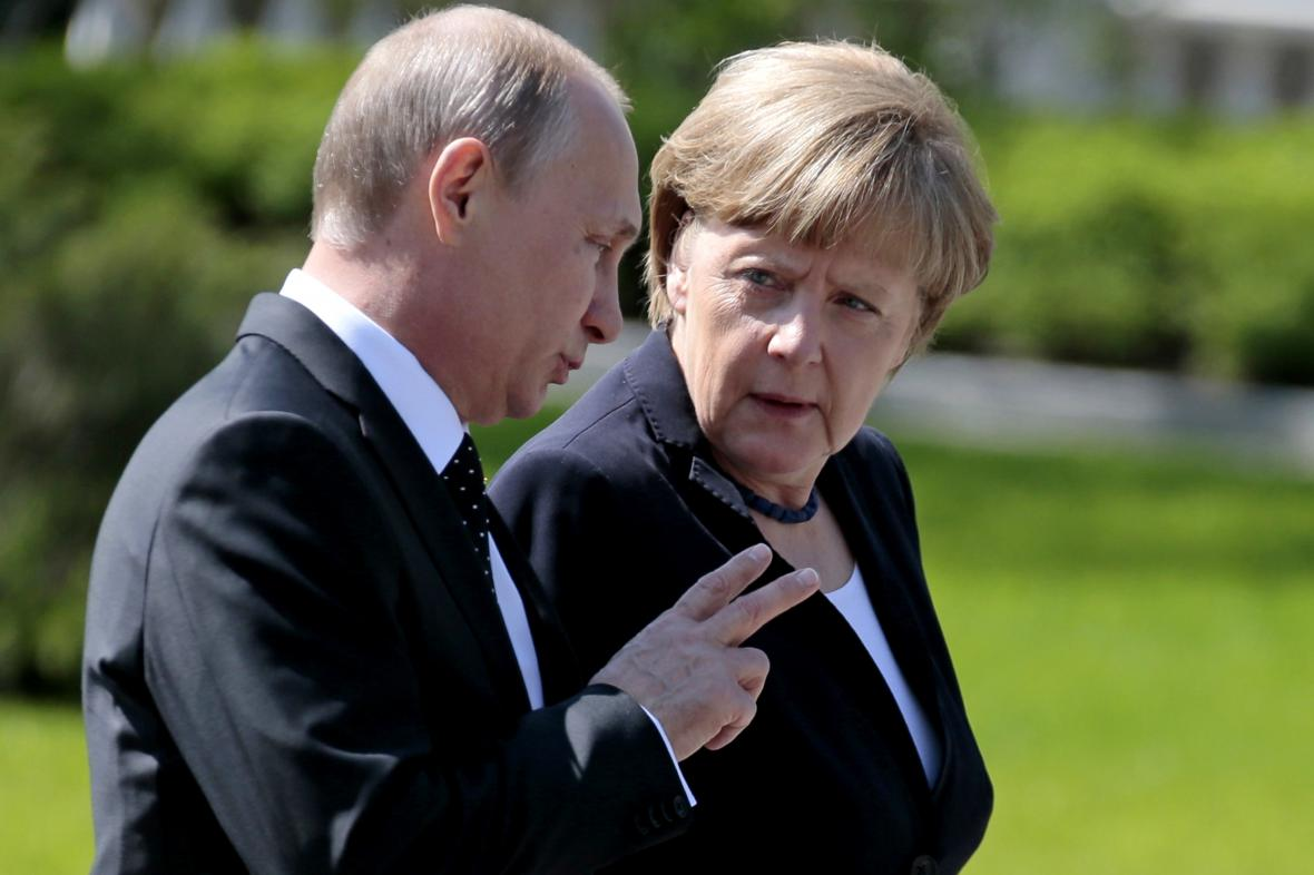 Vladimir Putin a Angela Merkelová