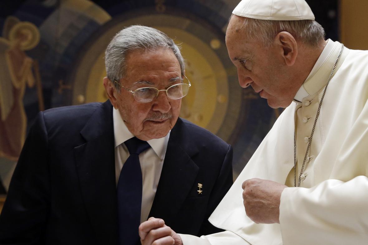 Raúl Castro na audienci u papeže Františka