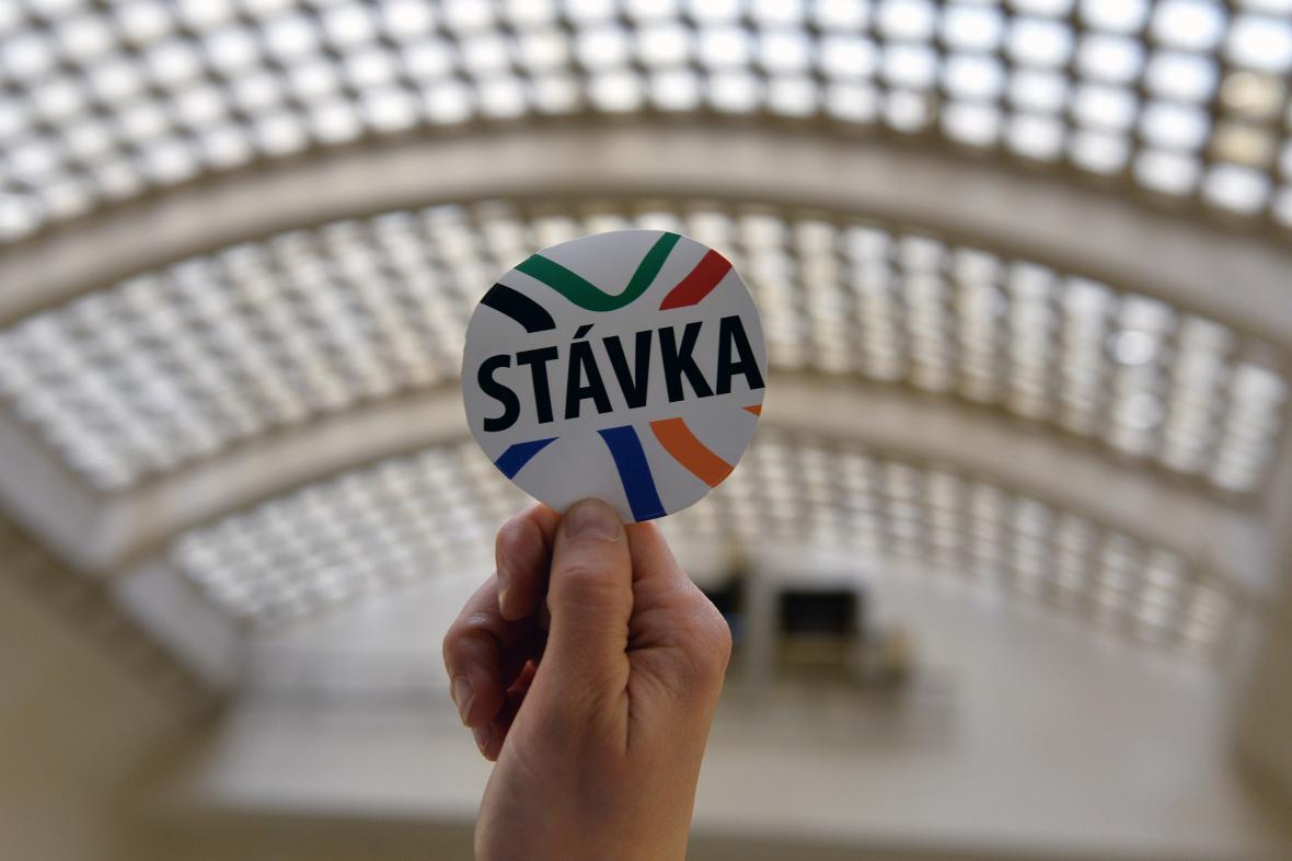 59 ze 70 zaměstnanců Agentury pro sociální začleňování stávkuje