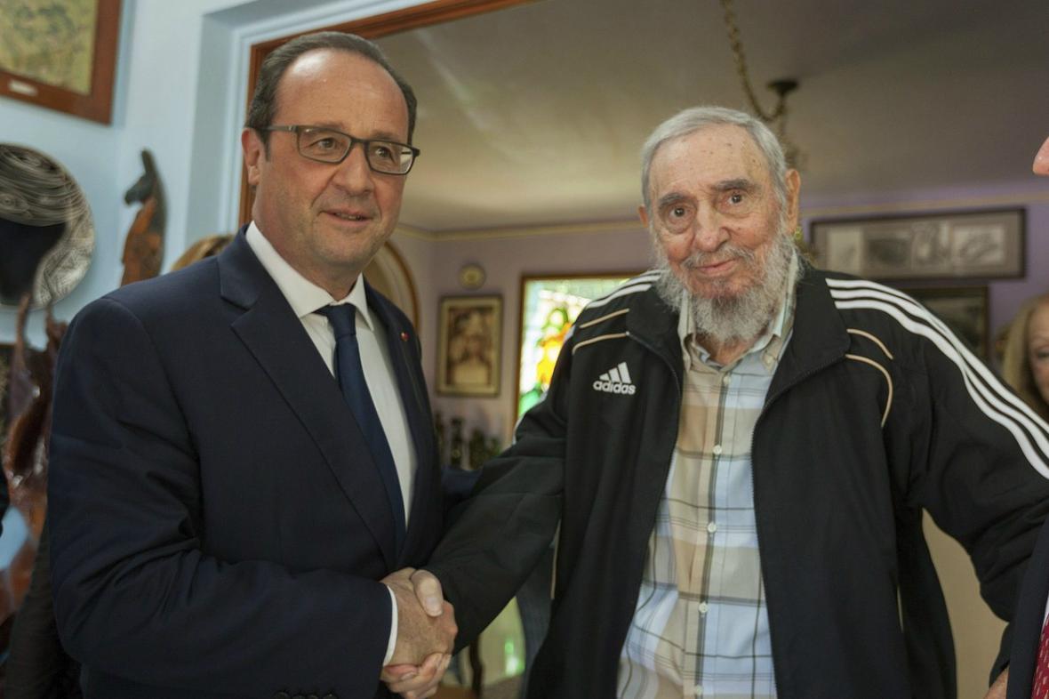 Francois Hollande s Fidelem Castrem