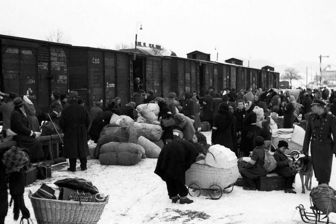 Odsun Němců z Mariánských Lázní 25. ledna 1946