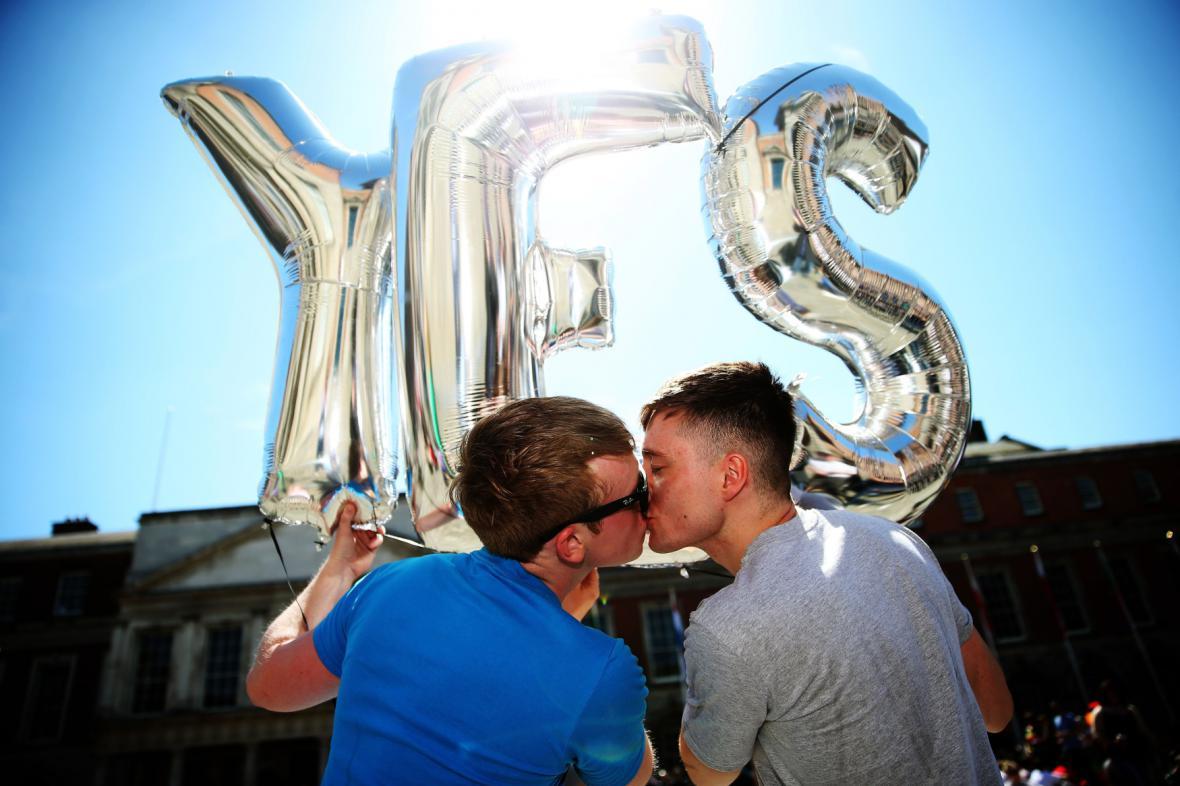 Irské referendum o sňatcích osob stejného pohlaví