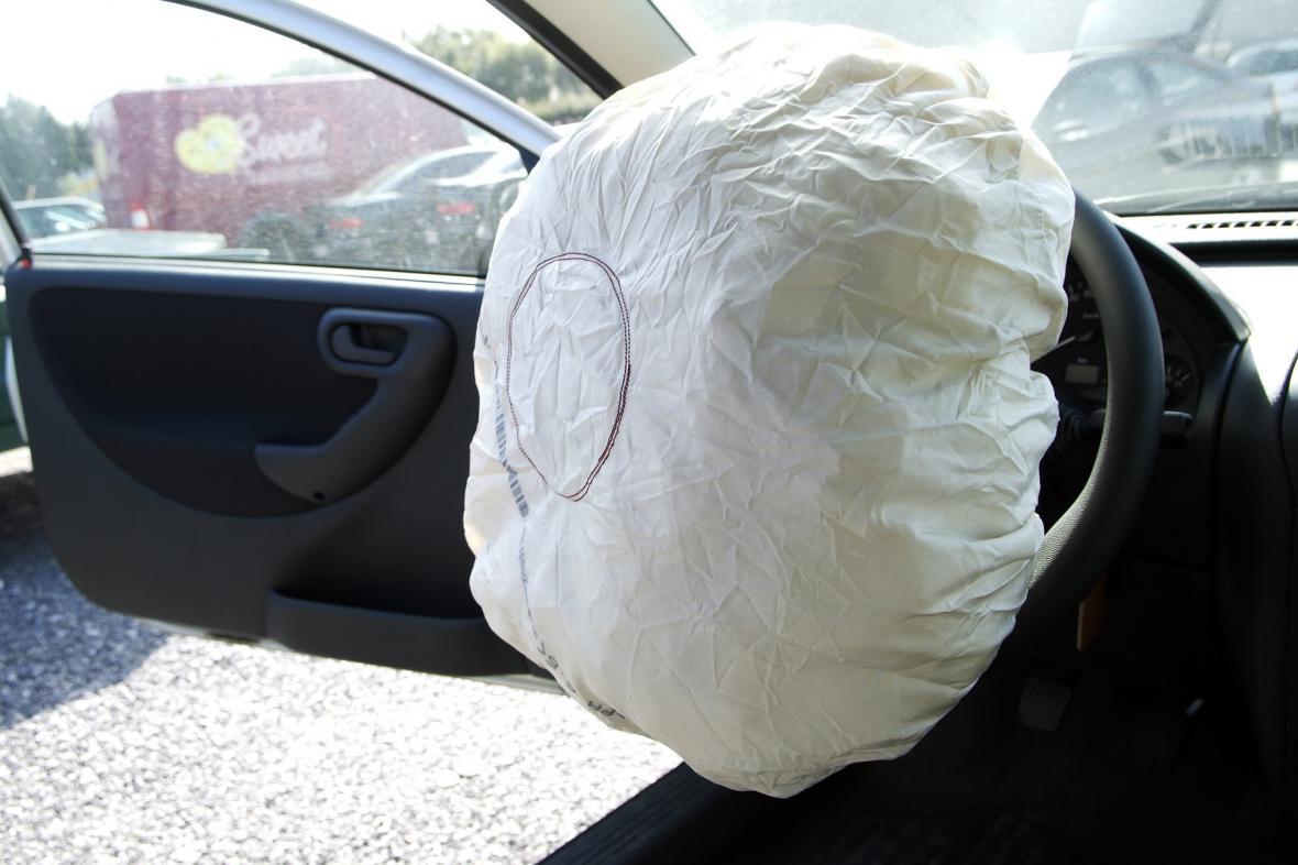 Vystřelený airbag