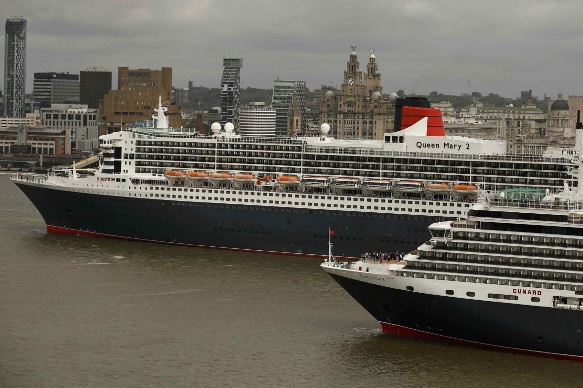 Říční tanec parníků společnosti Cunard