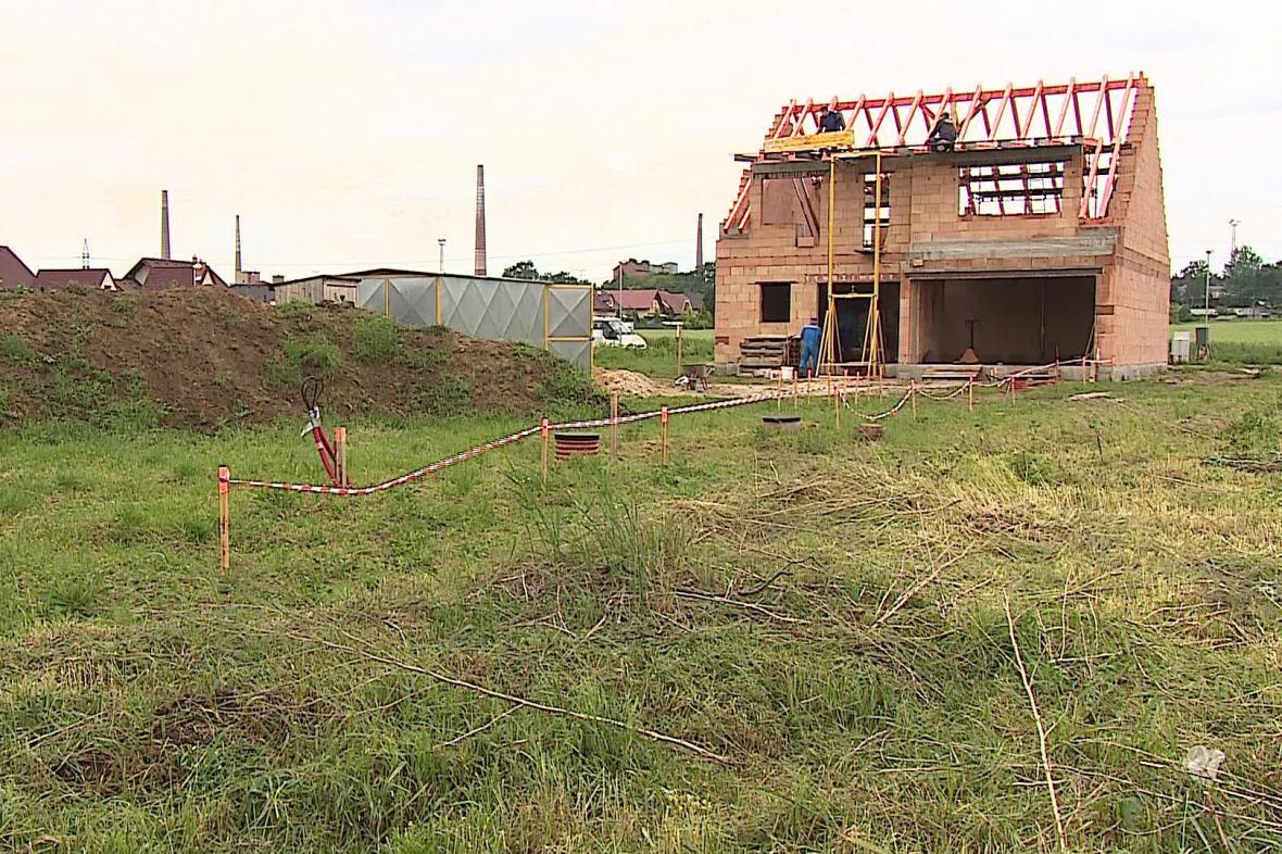 Nový poplatek za stavbu na zemědělské půdě