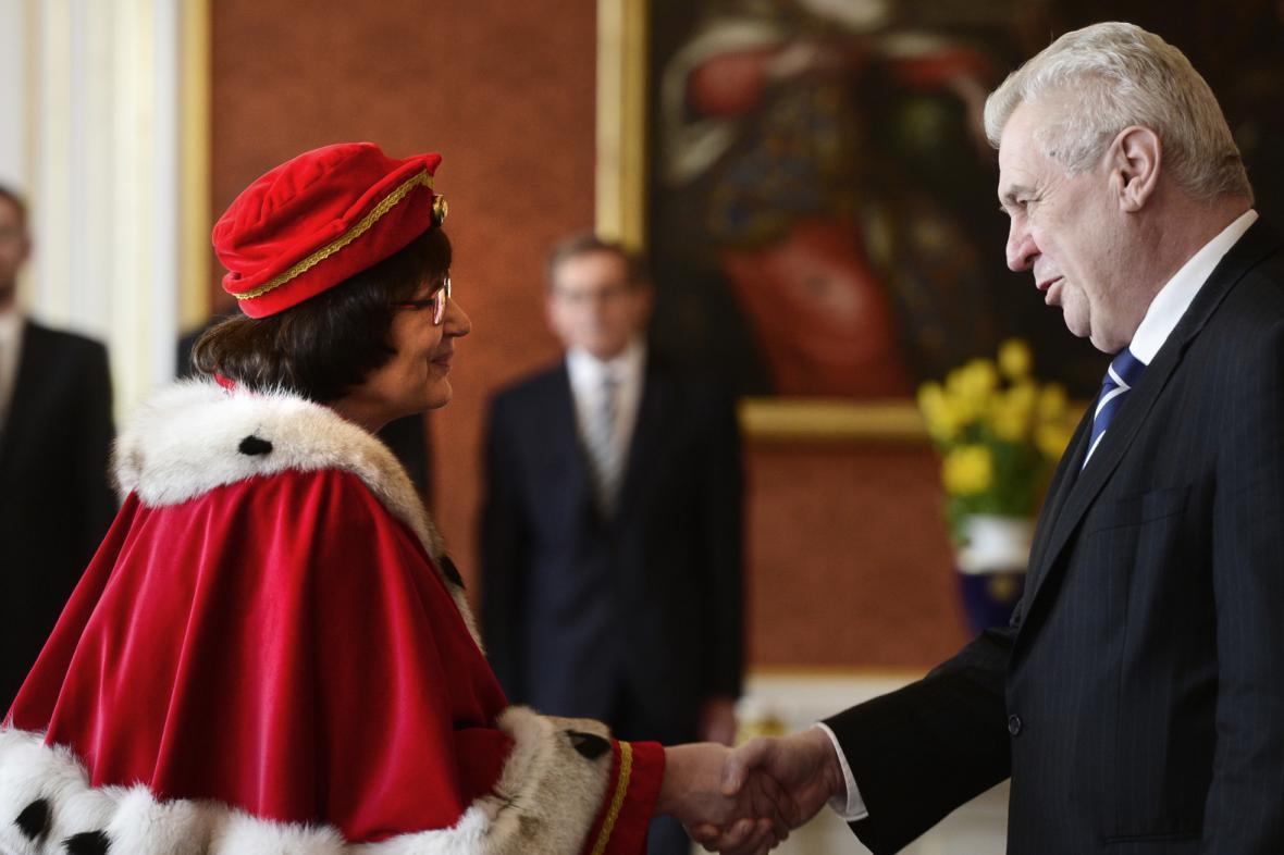 Rektorka Hana Machková a prezident Miloš Zeman