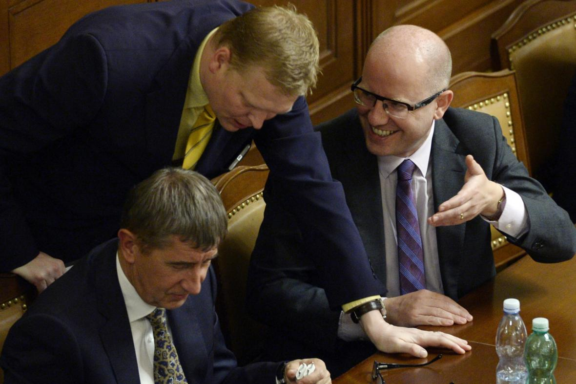 Šéfové koaličních stran Andrej Babiš (ANO), Pavel Bělobrádek (KDU-ČSL) a Bohuslav Sobotka (ČSSD)