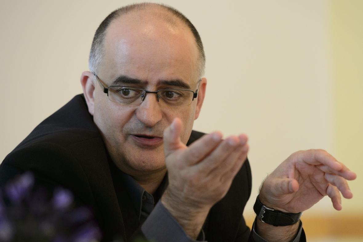 Petr Popov, adiktolog