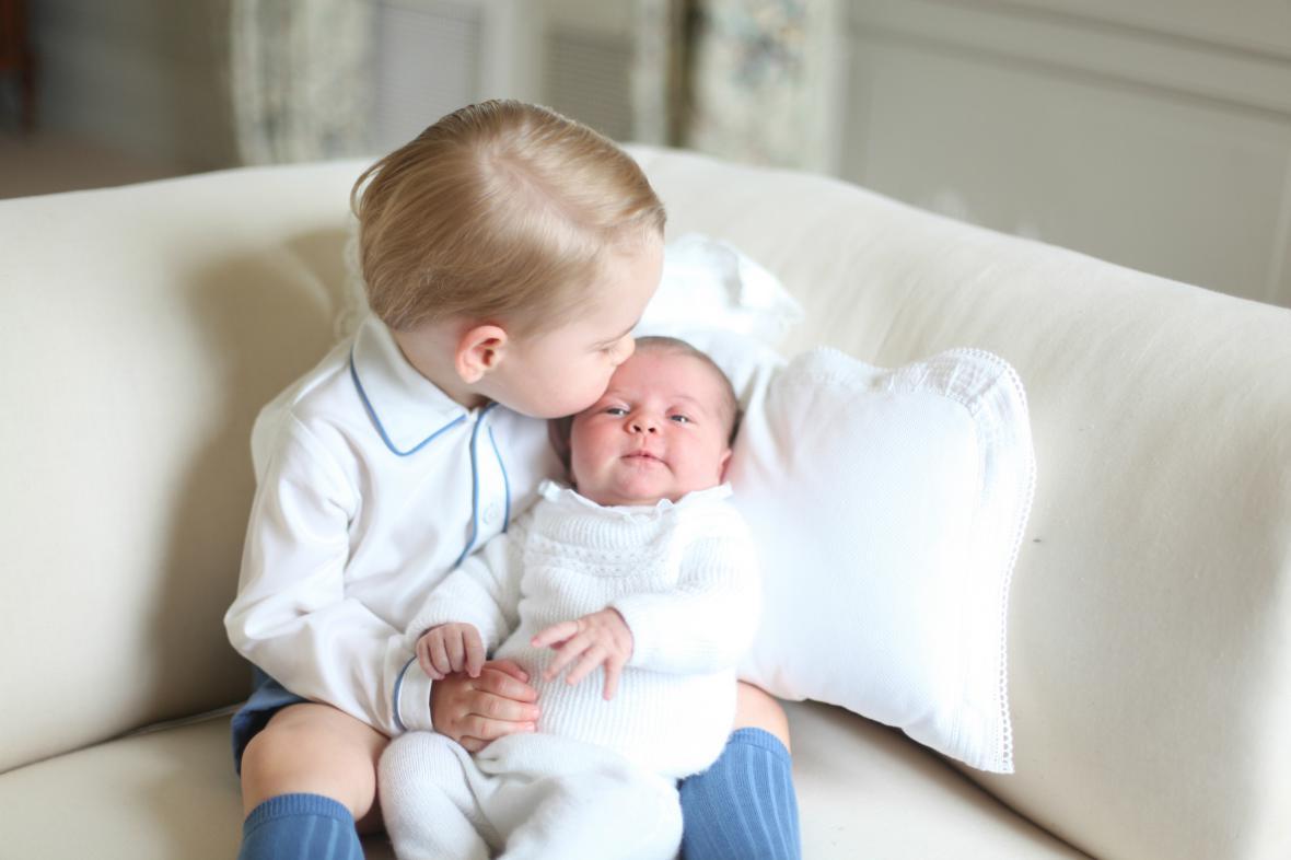 První oficiální snímky princezny Charlotte