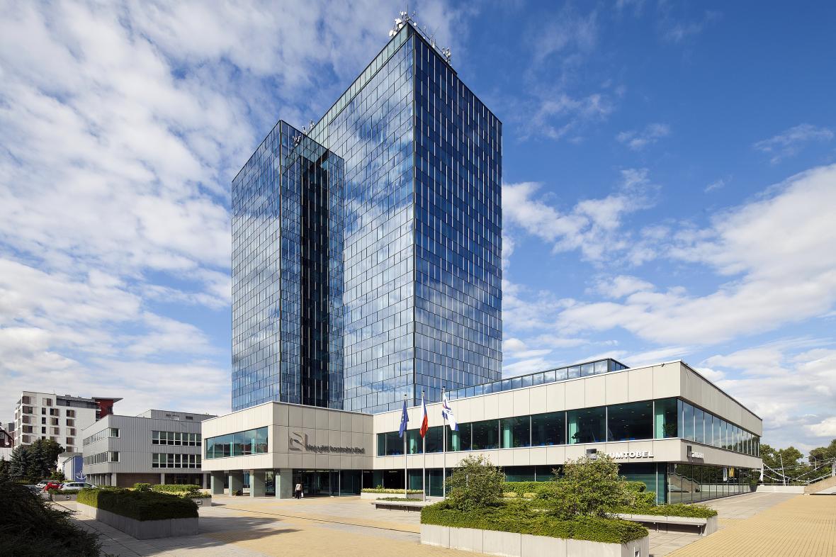 Současné sídlo NKÚ ve výškové budově Tokovo v pražských Holešovicích