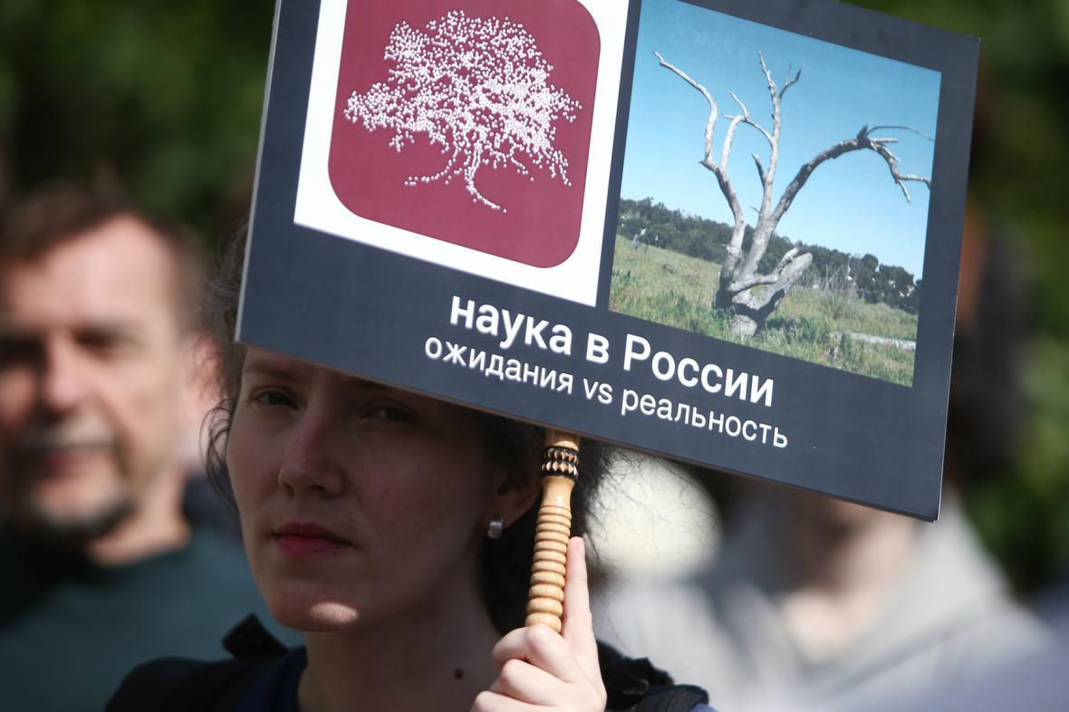 Protest na podporu nadace Dynastie