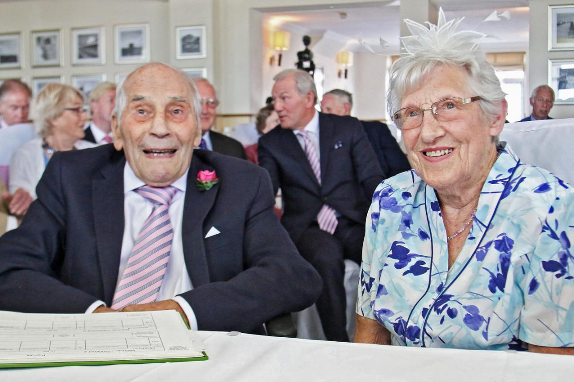 George Kirby a Doreen Luckieová - nejstarší novomanželé