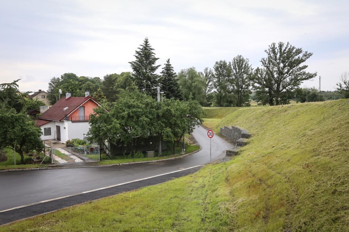 Nová protipovodňová hráz v Ostravě-Koblově